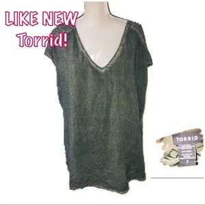 • TORRID | LIKE NEW | Army Lace Detail Bls•